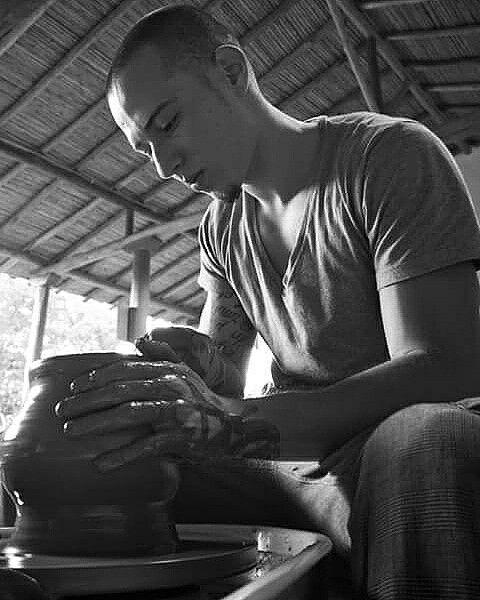Maestro Sebastian Rueda Taller de Cerámica Terracota Whatsapp: 317- 474 83 99 Barichara, Santander, Colombia.