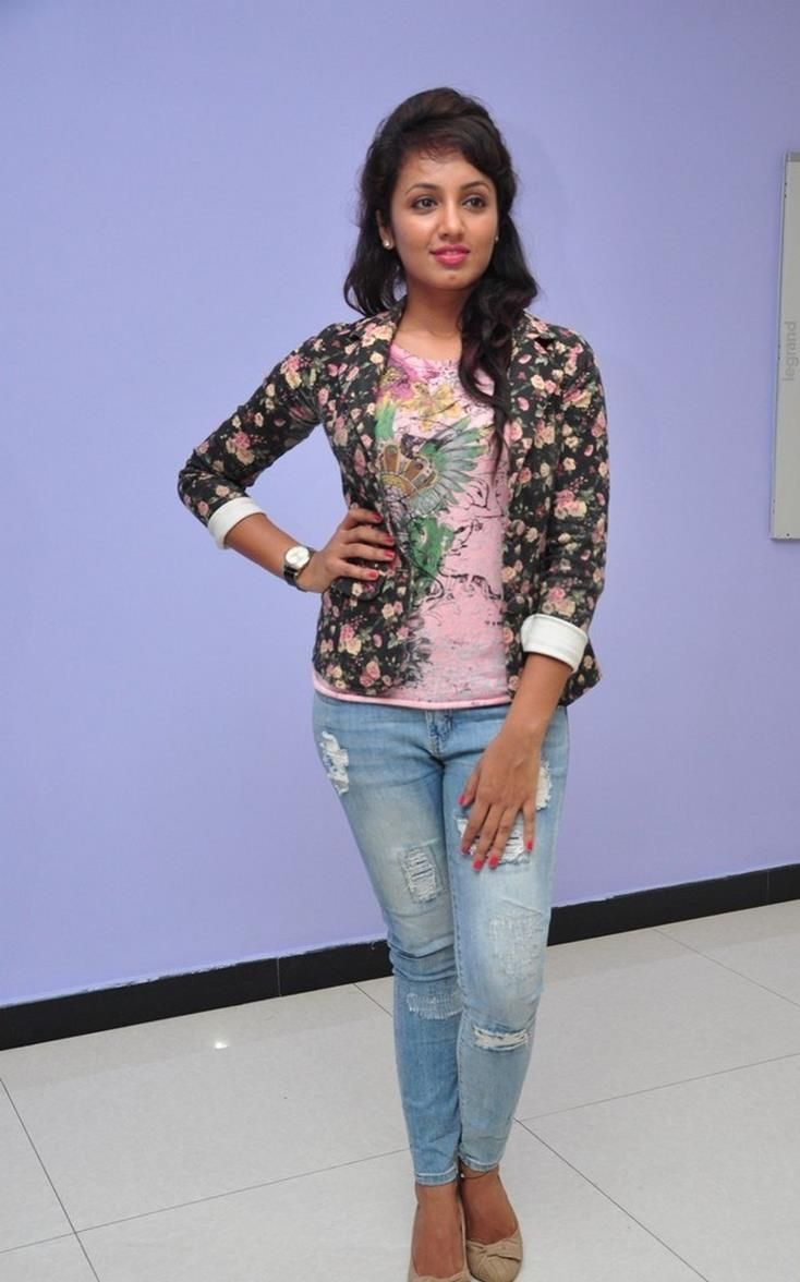 nice Tejaswi Madivada Tamil Actress Photos