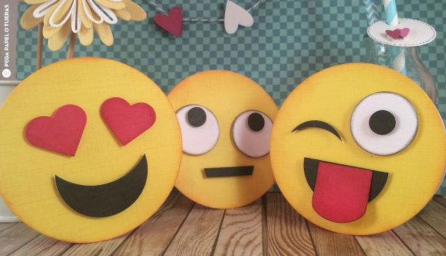 Funny Emoji Cards / Daily inspiration from our bloggers