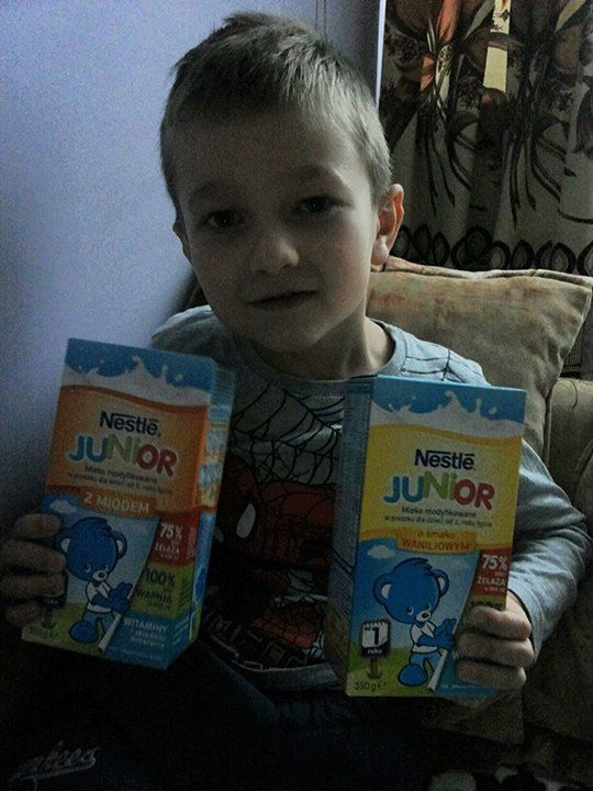 Krystian uwielbia Nestlé Junior!  #streetcom #pysznesmaki #miód #wanilia #NesteJUNIOR