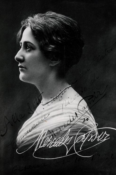 Mercedes Capsir (1895 - 1969) Catalan Spanish Coloratura Soprano