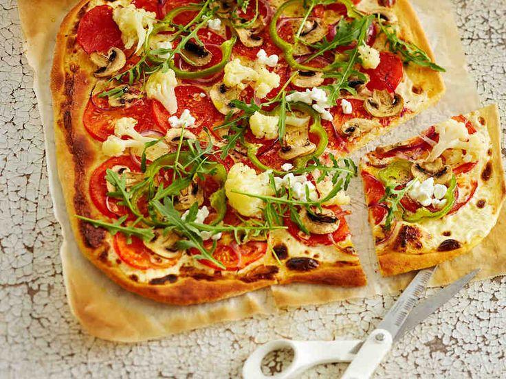 Valkoinen kasvispizza: https://www.yhteishyva.fi/ruoka-ja-reseptit/reseptit/valkoinen-kasvispizza/015311