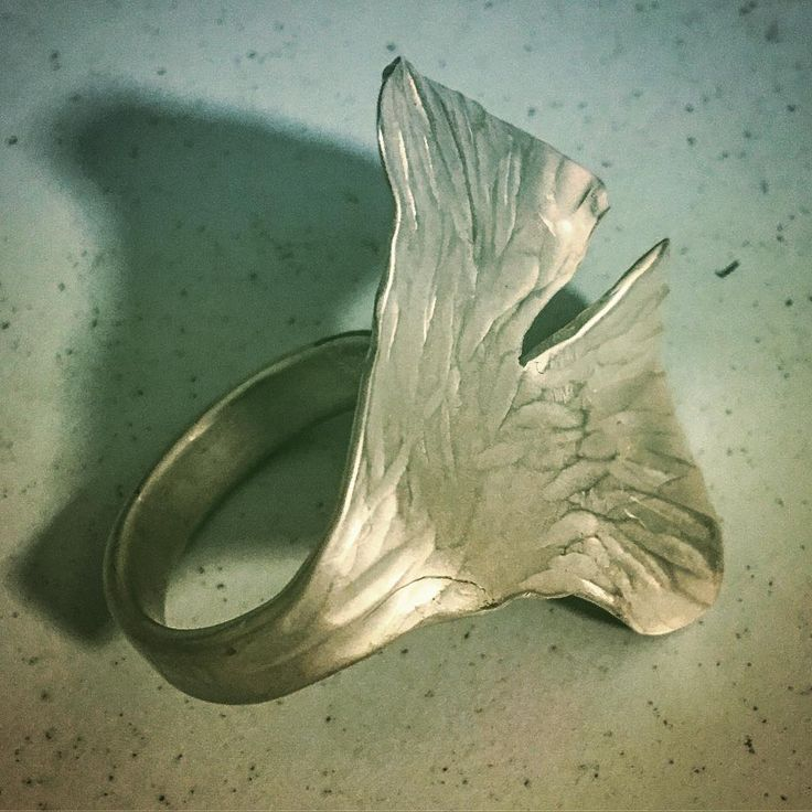 Designed and Made by Sally Herbert of HerbertandWilks -  Reworking and Refining the Gingko leaf ring ❤️🍃 . . . #bespoke #handmadejewellery #littlerivergallery #craftharvest #fashionjewelry #rings #nature #gingko #leaves #statementjewelry #madefromscratch #madeinmteden #beautiful #lovemywork #refined #conceptart #madetobeworn #herbertandwilks #workinprogress #loveherbertandwilks