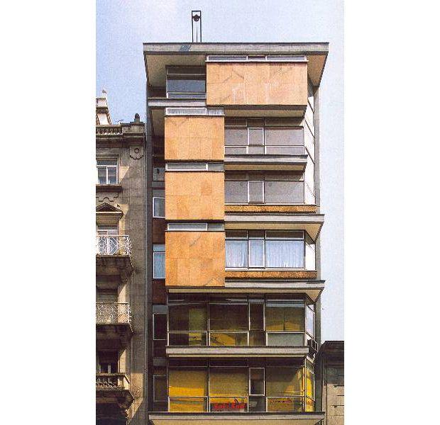 Edificio Plastibar | Xosé Bar Bóo | Vigo (1957) | Foto: archxx-sudoe.es