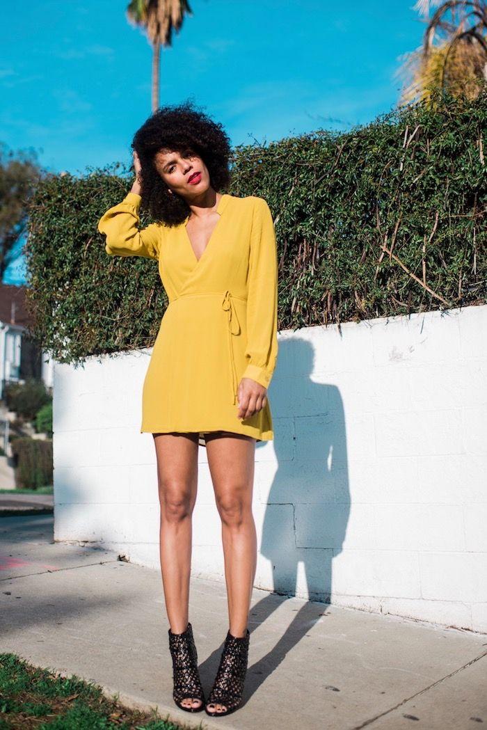 61ab5428312 Quelle tenue pour un baptême choisir une robe chic femme photo robe jaune  courte avec manches