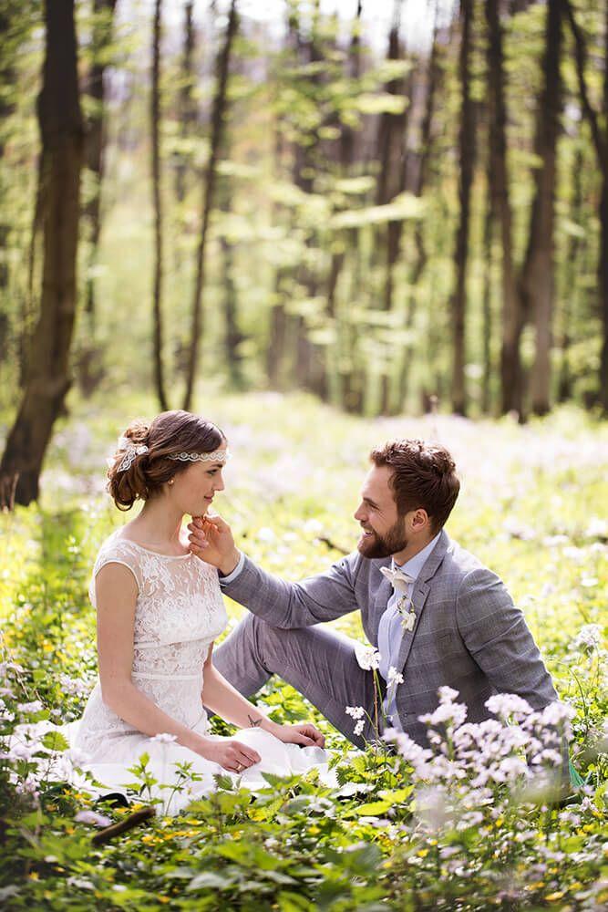 Ein Picknick zu zweit – frühlingshafte Hochzeitsfotos