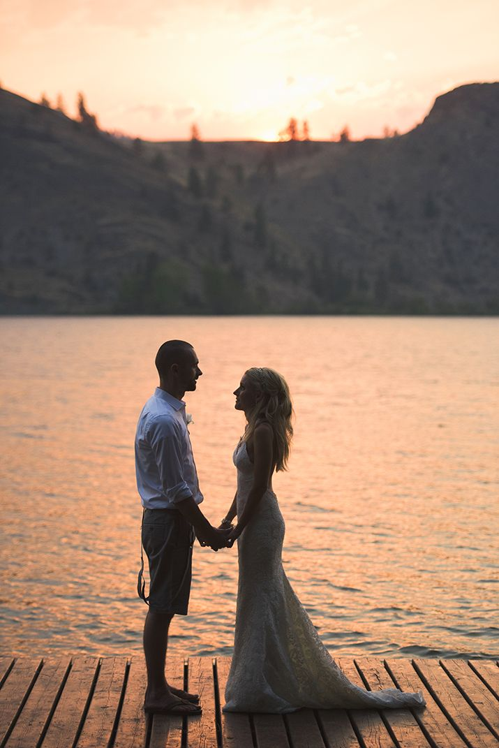 Sunset Portrait, Bride and Groom // Jarusha Brown Photography // Okanagan Falls wedding, Okanagan wedding, Okanagan wedding photographer, Okanagan bride, Okanagan elopement, Penticton wedding, Naramata wedding