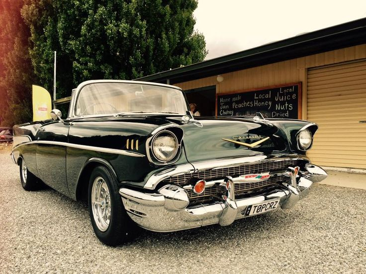 A Top Cruise offer vintage cars for your big day