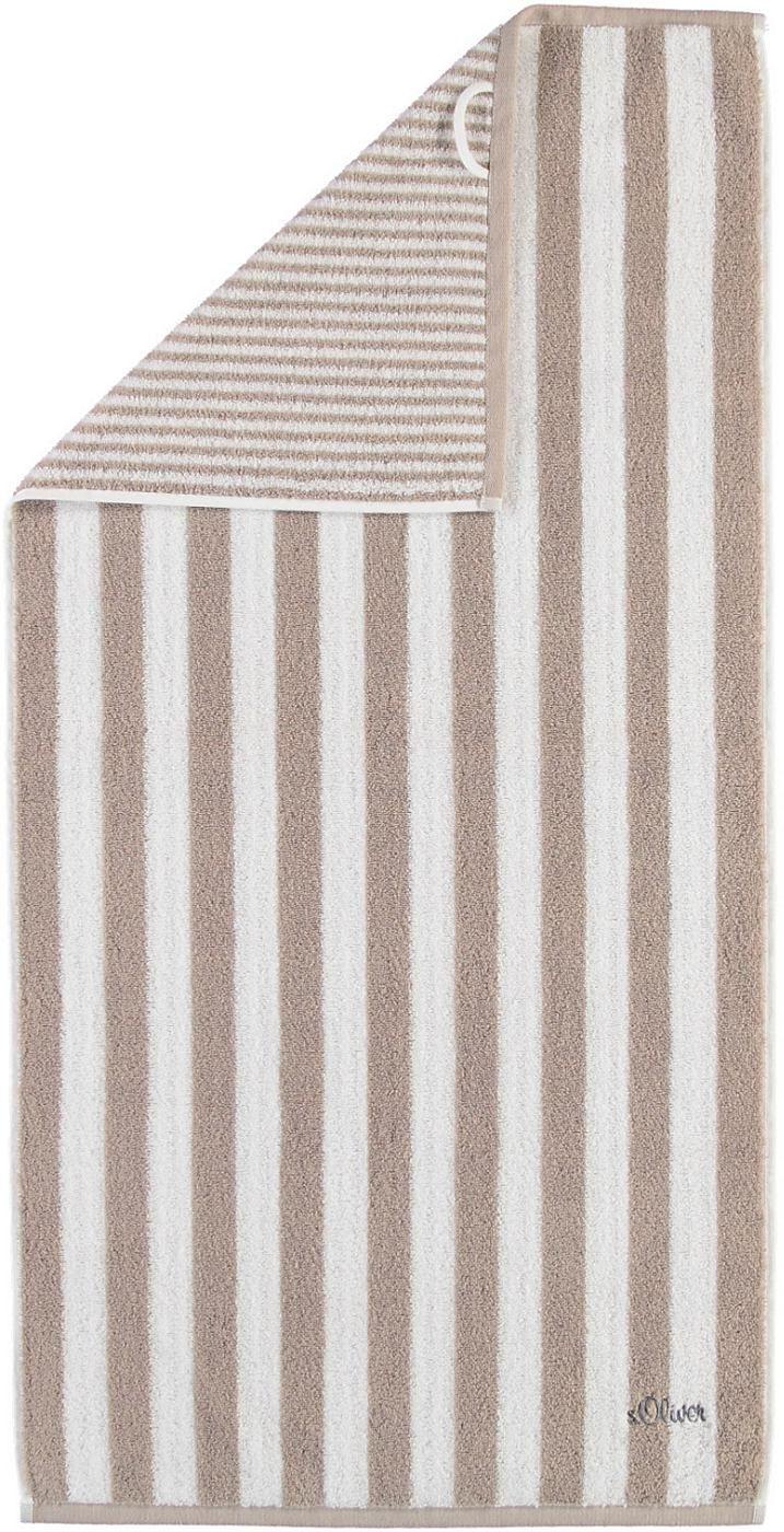 Gestreifte Saunatücher »Wendestreifen Stick« von s.Oliver. Streifen sind nicht nur wieder in Mode, sondern auch eine optische Bereicherung für Ihr Bad und lassen sich toll mit unifarbenen Handtüchern kombinieren. Die Frotteetücher sind mit einem Kordelaufhänger, einer Logostickerei und pflegeleichten Eigenschaften ausgestattet. Die Walkfrottee-Qualität aus 100% Baumwolle fühlt sich flauschig we...
