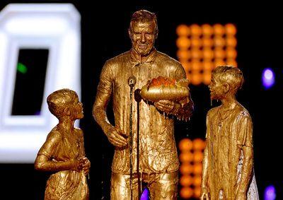 David Beckham and boys go for gold at Nickelodeon awards