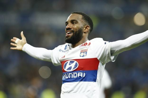 Foot - Transfert - Jean-Michel Aulas confirme un accord entre Alexandre Lacazette et l'Atlético de Madrid                                                                                                                                                 Foot  ... https://www.lequipe.fr/Football/Actualites/Jean-michel-aulas-confirme-un-accord-entre-alexandre-lacazette-et-l-atletico-de-madrid/803147#xtor=RSS-1