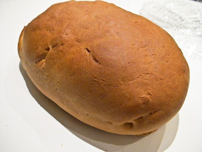 Denna limpa har blivit ett av våra favoritbröd, mest på grund av att det bli så himla saftigt och mjukt, och för att det är så enkelt att göra. Arbeta gärn