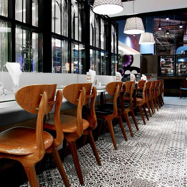 THE NINTH CAFE BY ON SQUARE The ninth cafe @ siam paragon tiles supplied by On square, Bangkok  Bon ton 20x20 black & white