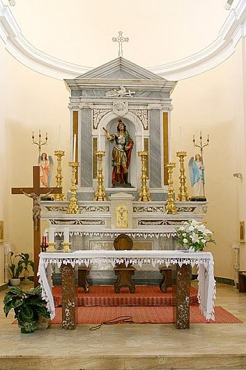 Chiesa di S.Efisio - Particolare dell'altare #Capoterra #Sardegna
