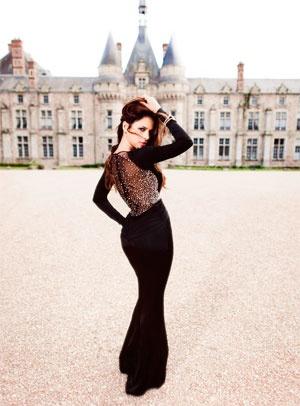 A musa da Magnolia Oliveira, Gyselle Soares mostra seus vestidos estilo princesa,
