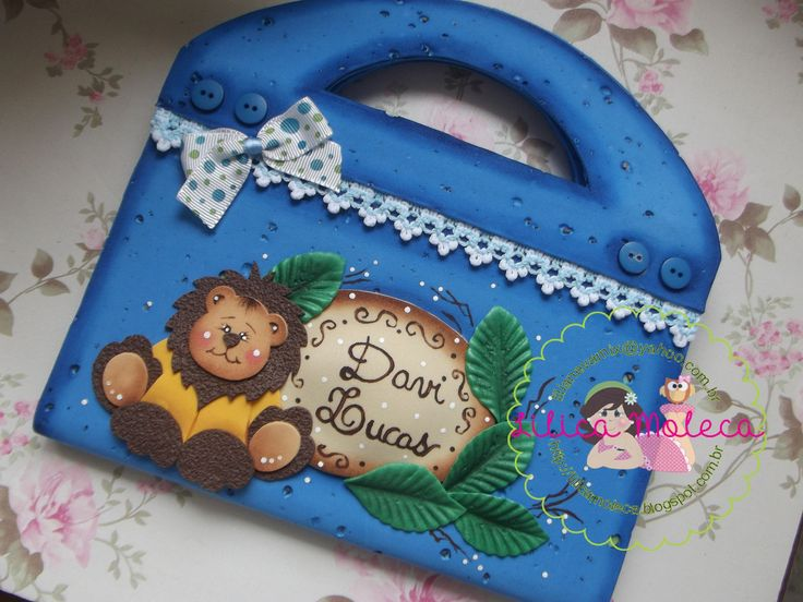 Lilica Moleca-maletinha de brochura leãozinho https://www.facebook.com/LilicaMoleca?fref=ts