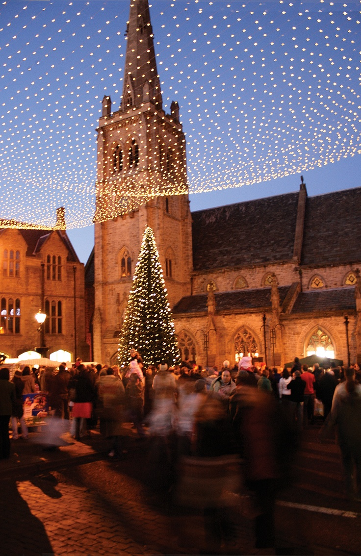 Durham City Christmas Festival: 6-8 December Durham's cobbled streets are filled with entertainers, and the reindeer make an appearance for the children. With carols at Durham Cathedral, plus over 150 quality craft, gift and food stalls in a huge marquee on Palace Green it's a great occasion for all the family.