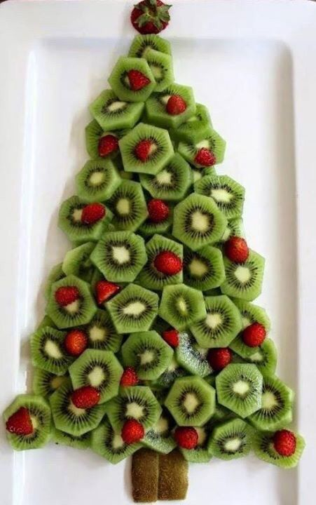 Healthy and tasty Christmas Tree for your next Holiday Party