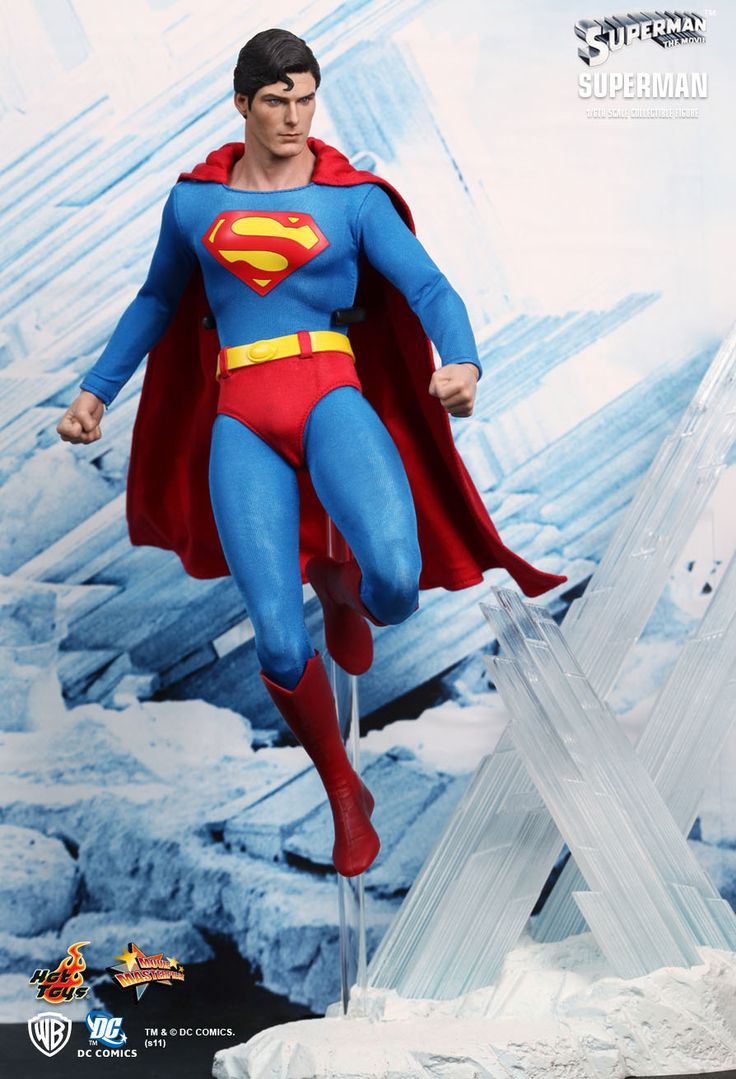 Hot Toys : Superman 1/6th scale Collectible Figure from the 1978 classic superhero film Superman. The movie-accurate Superman collectible is specially crafted based on the image of Christopher Reeve as The Man of Steel, highlighting the authentic head sculpt, movie-accurate costume and figure stage imitating the Fortress of Solitude.