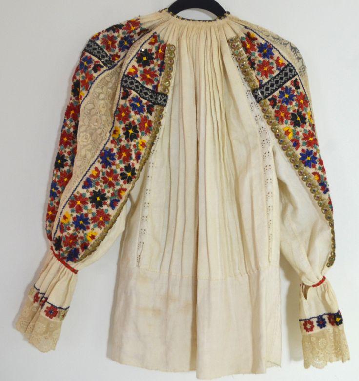 FABULOUS VINTAGE ANTIQUE SERBIAN FOLK COSTUME SHIRT NN60