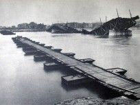 1945, a Manci híd előtti ideiglenes híd