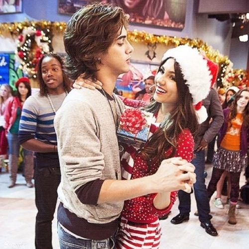 OHHHH GOD I think this is a good couple yeahhhh I realy think so you don't hahaahaa