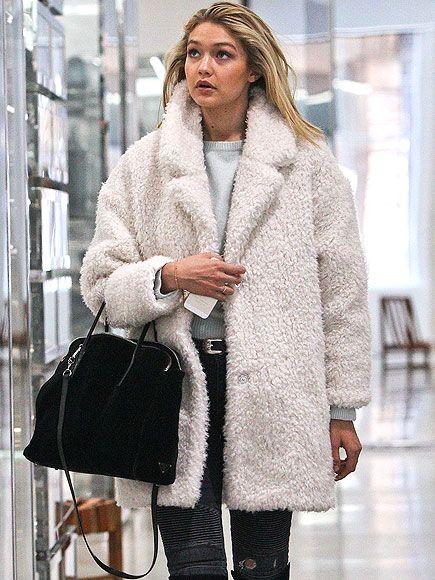 Jennifer Lawrence style photos; celebrity street style photos : People.com