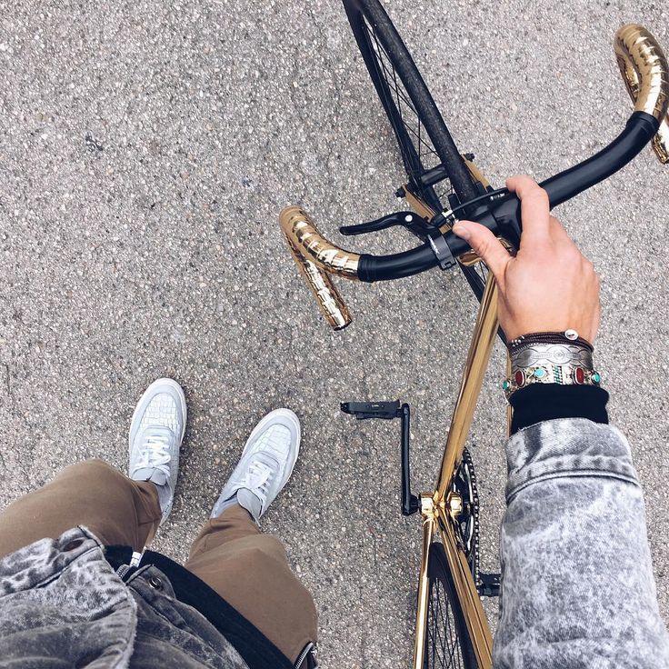 #marianodivaio #goldbike #gold #cignobike #bikelove #lifestyle