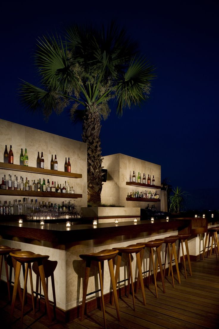 Thompson Beverly Hills outdoor bar
