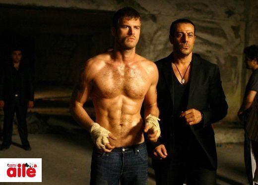 Kivanc Tatlitug's muscular body on his tv series Kuzey Güney - Turkish Actors and Actresses Photo (32689930) - Fanpop