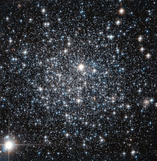Hubble Views Globular Cluster IC 4499 August 4, 2014 This newly released Hubble image shows the globular cluster IC 4499.