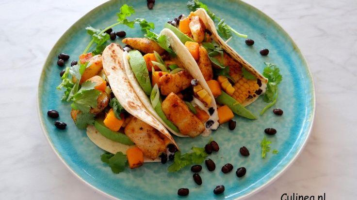 Visfajita met maïs, zoete aardappel en zwarte bonen