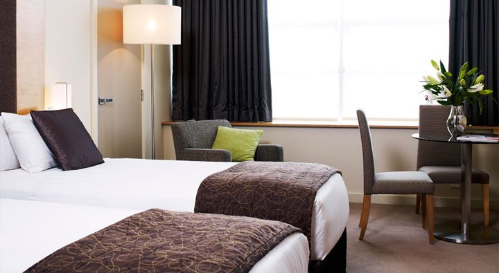 A Standard Twin Room at Rydges Campbelltown