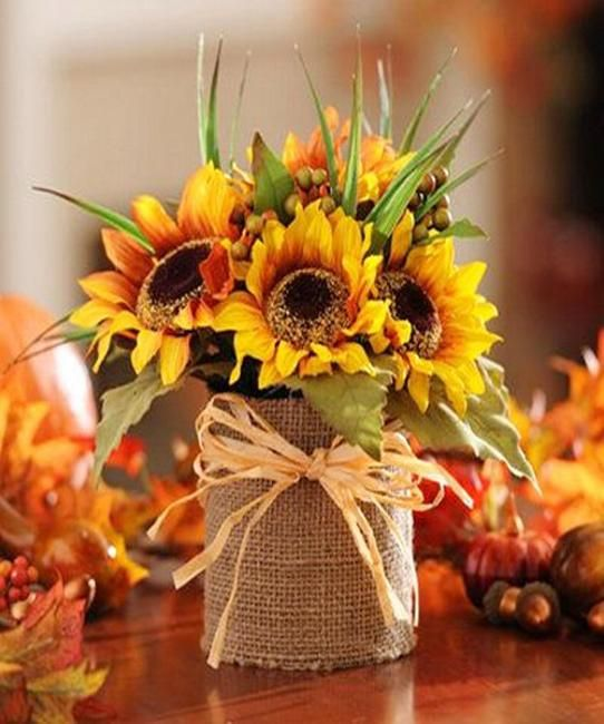creative flower arrangements and floral designs with sunflowers, yellow flower table decorations and centerpieces