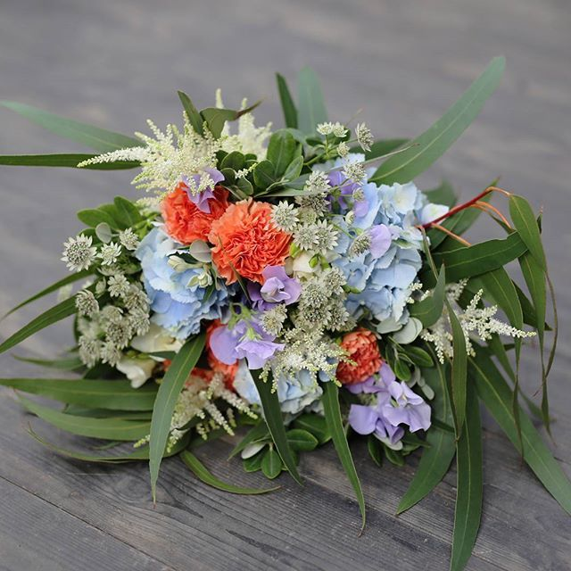 Boheemi hääkimppu #juhannusjuhlaan#kimputjuhlaan#häät#morsiuskimppu#hääkukat#flör#flör2017#florkukkajapuutarha#kukkajapuutarhaflör#kukka#puutarha#turku#love_turku#kissmyturku#flowerstagram#flowerinspo#kukkakauppa#natureinspires#natureinspired