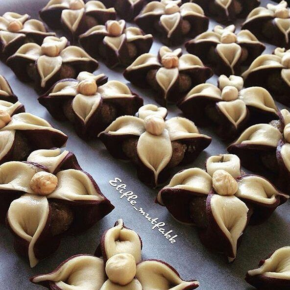 Farklı tatlilar farklı lezzetler denemek isteyenlere duygululezzetler etiketinden sevgili @elifle_mutfakk tan çiçek