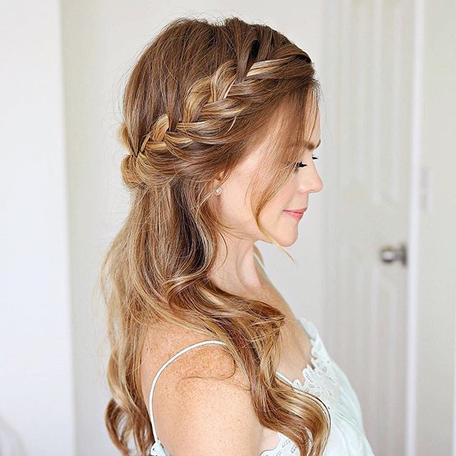 Half Up Fishtail French Braid I've worn this style so much this summer without even realizing it! It's obviously a favorite Double-tap if this is one of your favorites too! http://liketk.it/2srcc