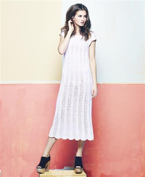 """Vol 4: Design 5 """"Alice"""" lang kjole med havskummønster #LeilaHafzi #SandnesGarn"""