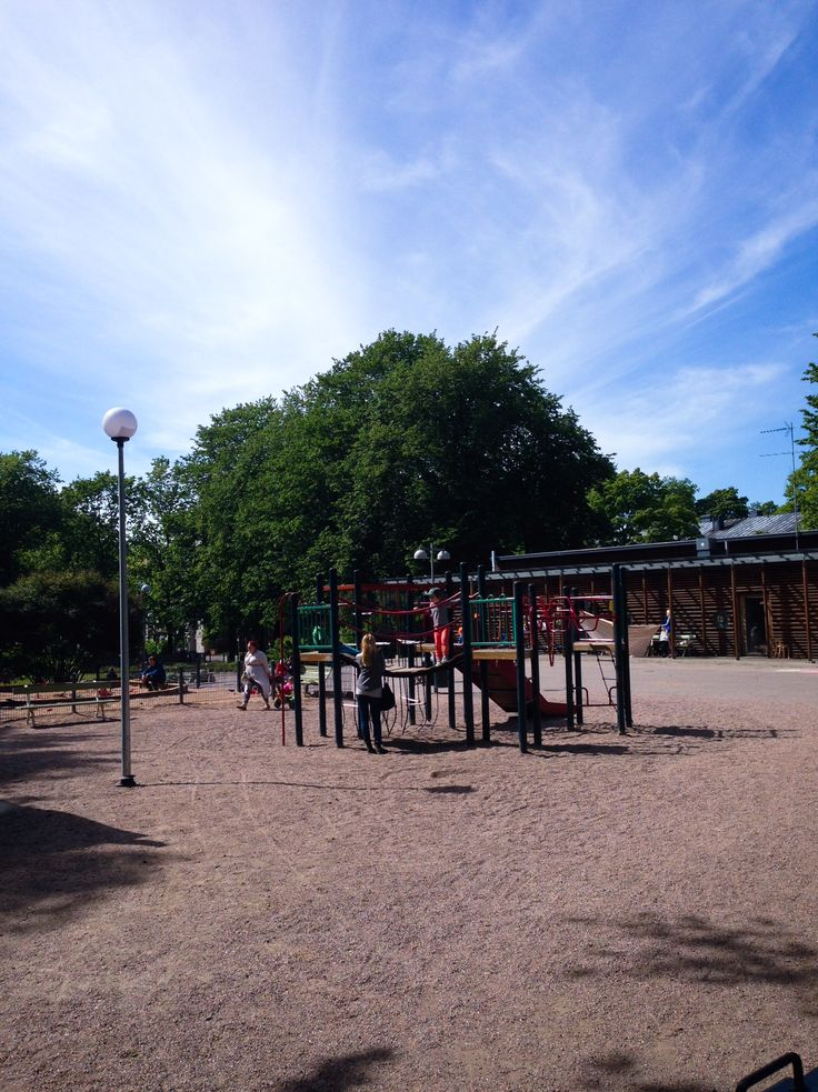 This large and well-equipped playground is situated in a beautiful area in Hesperia Park close to Töölönlahti Bay. There are plenty of toys and a separate area for small children. Photo: Elina Pitkänen. #Finland #Helsinki #Töölö #Taivallahti #Playground #Family #Kids