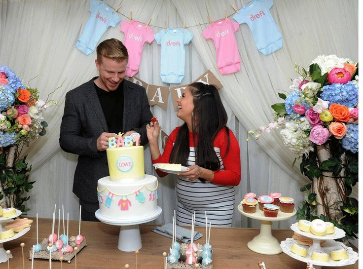 The Bachelor's Sean Lowe and Catherine Giudici Begin Their Journey to Amazinghood at Baby Shower | E! Online