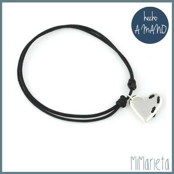 """Pulsera """"Cósete el corazón"""" http://www.mimarieta.com/producto/pulsera-cosete-el-corazon/"""
