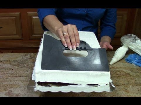 Cake Decorating, How to Ice a 1/2 Sheet Cake
