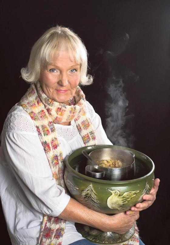 Heljä Liukko-Sundströmin rakas kurkkukeitto / Cucumber soup, by Heljä Liukko-Sundström, Finnish artist and professor