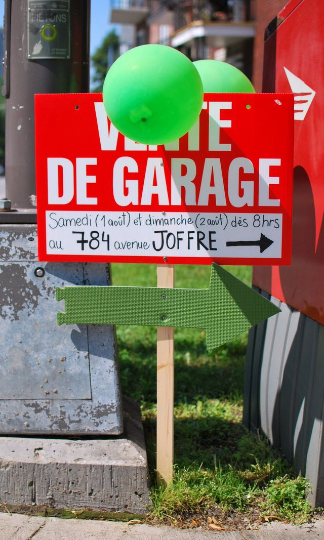 7 Great Yard Sale Signs (and Why They Work): Pristine Garage Sale Sign