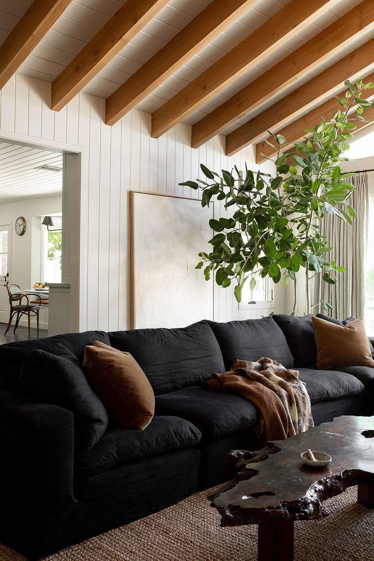 Let the Light In: A Rustic Modern Farmhouse by Sarah Solis | Rue Farmhouse Interior, Modern Interior, Interior Design, Modern Rustic Homes, Modern Farmhouse, Rustic Modern Living Room, Home Renovation, Living Room Designs, Living Spaces