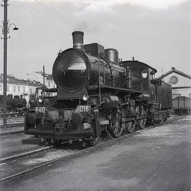Locomotiva a vapore 640 in deposito by Ferrovie dello Stato Italiane, via Flickr