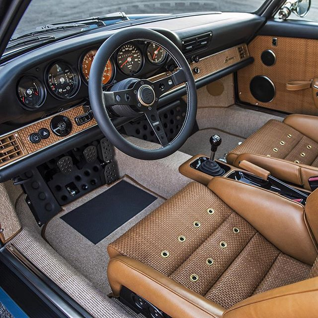 Singer 911 Interior. Perfect, just perfect.