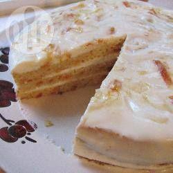 Einfache Russische Schmandtorte - Eine einfache russische Torte, die mit wenigen Zutaten gebacken ist. Die leicht säuerliche Schmandcreme passt hervorragend zum süßen Teig. @ de.allrecipes.com