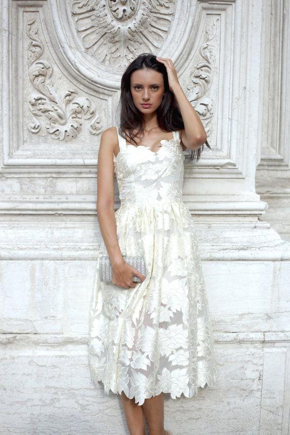 Diese einzigartige Kleid werden ideal für Hochzeitsfeiern, Partys, besondere Anlässe, Foto-Shootings. Die Spitze des Kleides ist eingebaut und