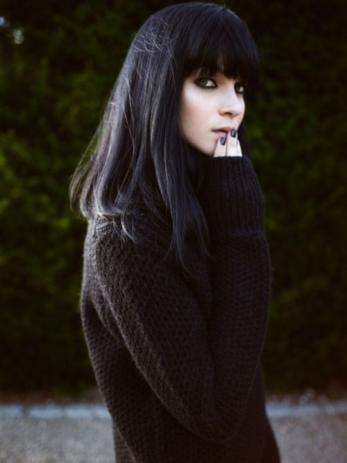 Hair ~ Black shoulder length bob with blunt fringe (i want this easy to maintain look!) Lovely ♥  Me > http://our-happy-home-2013.blogspot.co.uk/